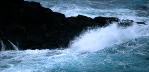Edenpics-com_004-027-Sea-in-corr bluster-and-eaking-waves-on-the-cliffs-France-Bretagne-Finistere