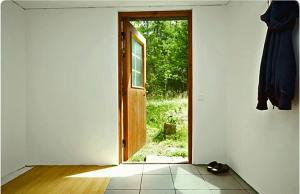 öppen dörr mot jpeg