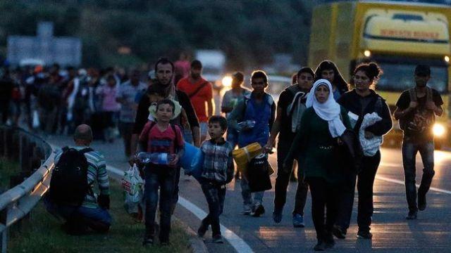 flyktingar mot österrike