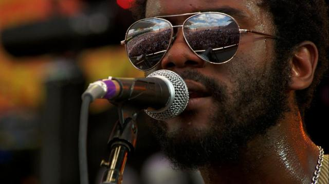 Gary Clark Jr. - Bright Lights, video on Youtube from Crossroads Guitar Festival 2010