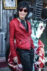 Joan-Jett-Wearing-a-red-leather-jacket